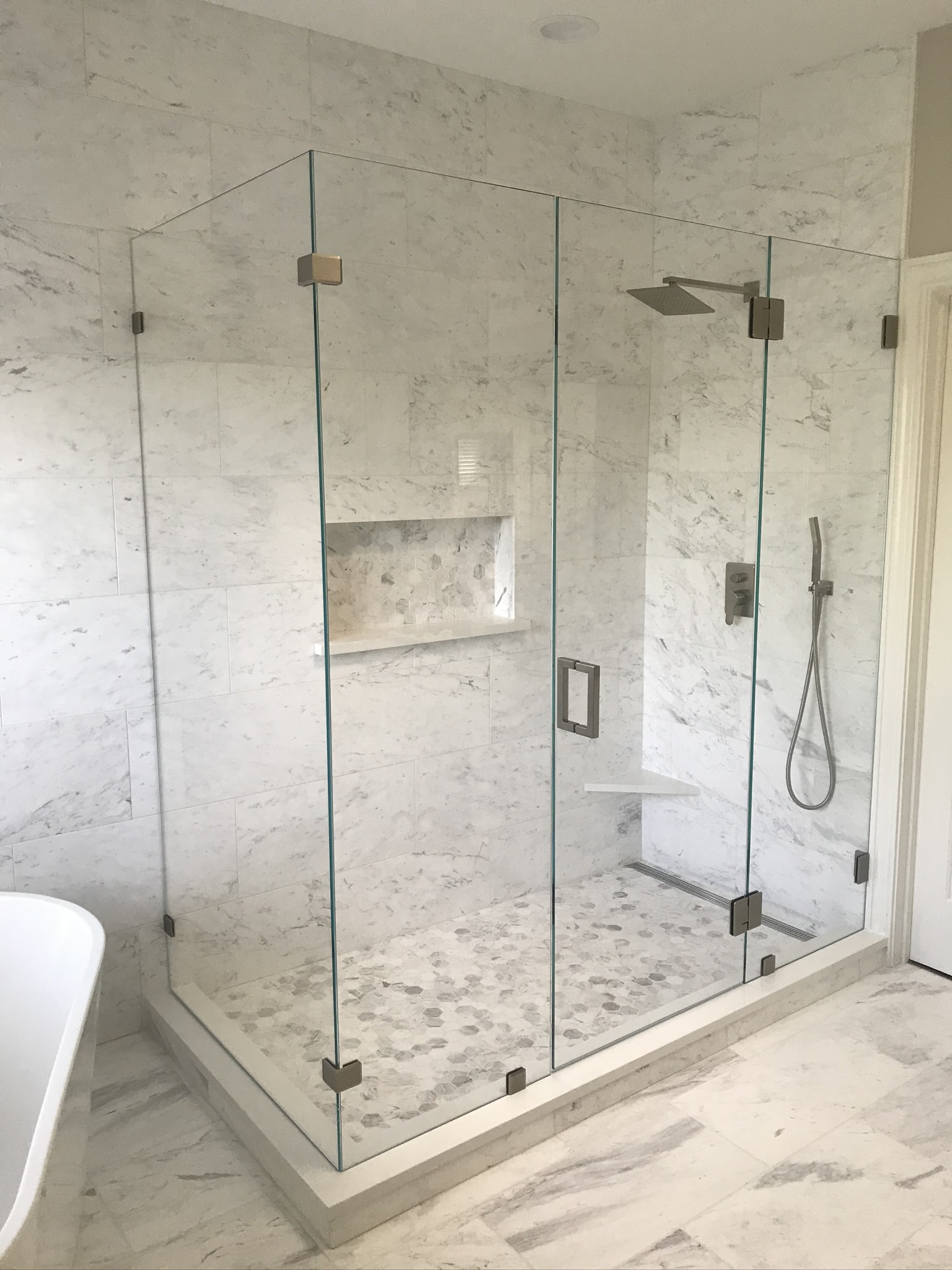 Professional Bathroom Remodel: Why You Should Contract Instead of DIY
